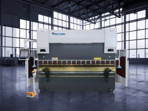 Presse-plieuse hydraulique CNC de 135 tonnes