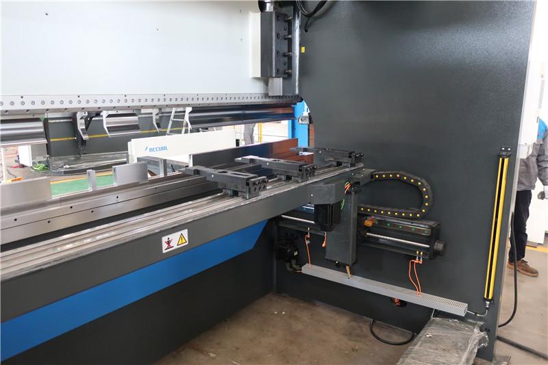 BGA-4 pour Backgauge CNC pour Axes X et R
