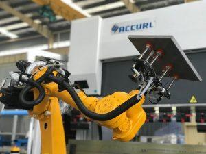 Système de pliage robotisé pour presse plieuse automatique de tôle