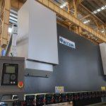 CNC CNC automatique électrique hydraulique horizontale barre omnibus acier tôle de coupe et de pliage presse plieuse prix de la machine