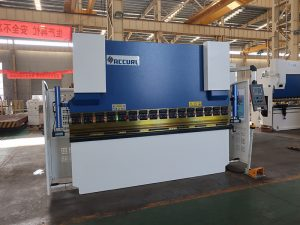 machine de presse plieuse manuelle